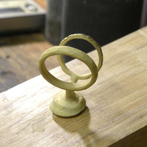 イエローゴールド結婚指輪の鋳造